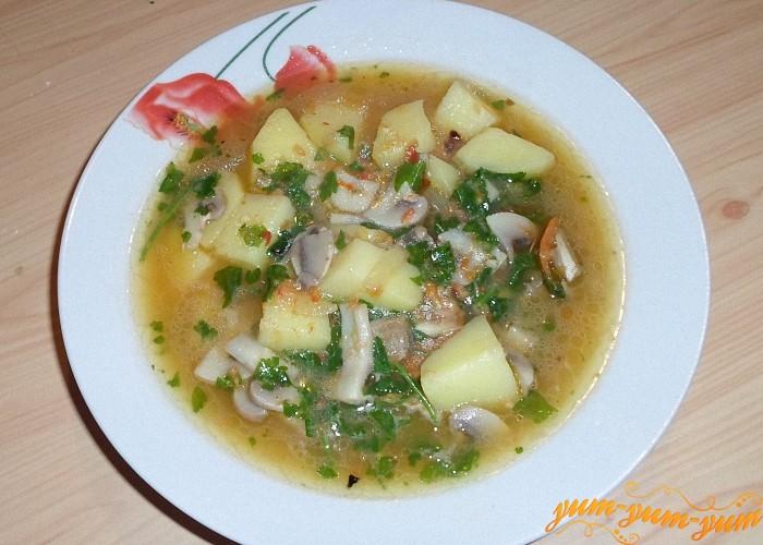 Постный грибной суп из шампиньонов готов