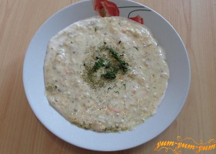 Перед подачей к столу добавить в тарелку свежую или сушеную зелень