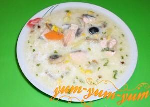 сырный суп с красной рыбой и плавленным сыром