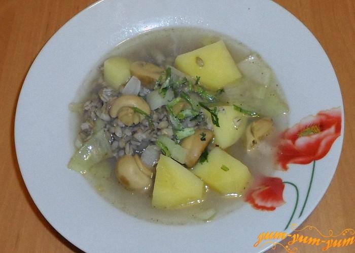 Суп с маринованными грибами