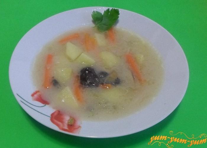 Готовый суп подать к столу