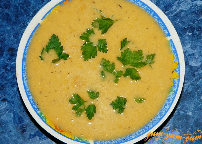Суп с фасолью и грибами подаем к столу