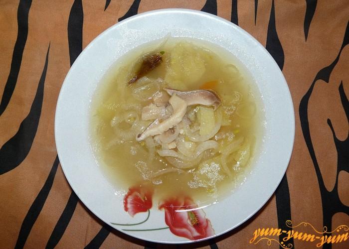 Вкусный суп из белых грибов подаем к столу