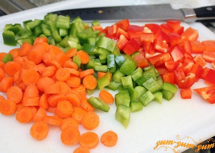Огурец сладкий перец морковь нарезать