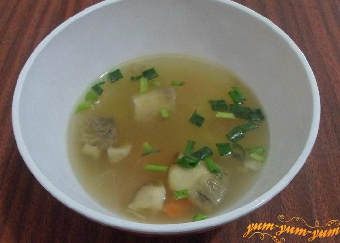 Вкусный суп из замороженных грибов с крупой подать к столу