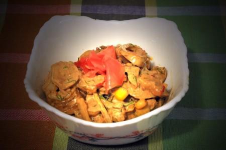 Салат из крабовых палочек с сайрой