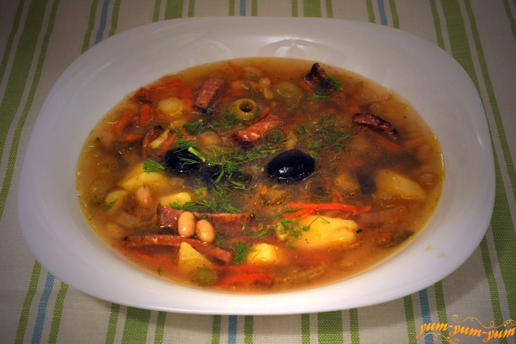 Суп солянка с фасолью