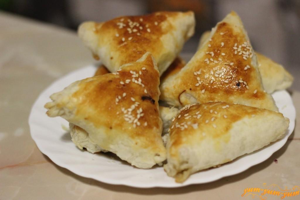 пирожки с мясом и картошкой из слоеного теста