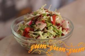 Салат с капустой и редиской