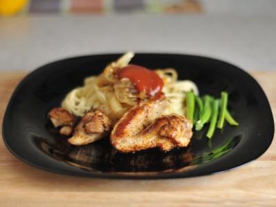 Жареная курица с луком